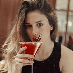 Spanish Actress, Best Mobile Phone, Beauty Hacks, Hair Color, Beautiful Women, Celebs, Actors, Badass, Singers