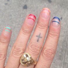 horizontal stripe manicure