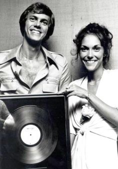 The Carpenters with just one of their many certified gold albums. Richard Carpenter, Karen Carpenter, Karen Richards, The Expendables, Old Soul, Vintage Music, Famous Faces, Hush Hush, Music Artists