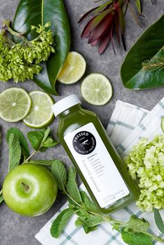 Get a free #PressedJuicery juice card when you order the Perri bouquet from @bloomthat! (For a limited time only)