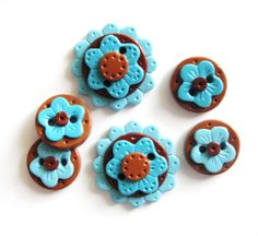 Button Everyday Flower handmade polymer clay buttons