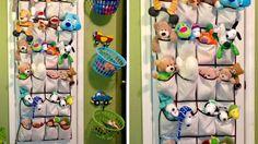 Vous en avez assez de voir les jouets de vos enfants traîner aux quatre coins de la maison ? Pas de panique ! La rédac' a déniché pour vous 10 idées et astuces pour les ranger facilement grâce à des systèmes de paniers personnalisés, étagères détournées ou encore tapis d'activité multifonctions. Démonstration.