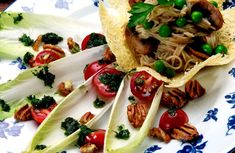 Las endibias Bruschetta, Food And Drink, Mexican, Cooking, Ethnic Recipes, Gazpacho, Pastel, Pink, Gourmet Salad