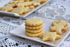 Sablés au beurre - Page 2 sur 3 - Tasties Foods Biscotti Cookies, Almond Cookies, Edible Cookies, Yummy Cookies, Shortbread Cake, Bread Machine Recipes, Fondant Cakes, Diy Food, Cookie Decorating