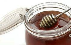 MED – hrana faraona i kraljeva. Kao i ostali pčelinji proizvodi, med se vekovima koristi u ljudskoj ishrani, u kozmetici, a koristi se i za konzerviranje, jer čist med nije podložan kvarenju. (U Egipatskim piramidama su pronađeni ćupovi sa medom, koji je gotovo u potpunosti zadržao sva svoja svojstva). Med je, takođe, i jedan od retkih proizvoda u ljudskoj ishrani koji nije moguće napraviti industrijski. #recepti #kuvar #med