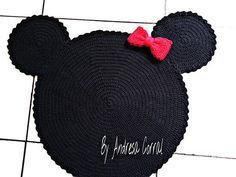 This Pin was discovered by Zen Crochet Carpet, Crochet Home, Cute Crochet, Crochet For Kids, Crochet Crafts, Crochet Baby, Crochet Projects, Knit Crochet, Crochet Mickey Mouse