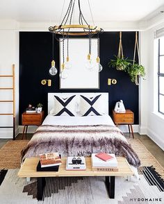 Honestly, it's unfair we would even have to consider sleeping somewhere else. Double-tap if you'll be dreaming of this bedroom setup. | photo: @jennapeffley; design + styling: @jdpinteriors + @walk.up.id