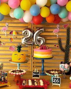 Festa Tropical: 110 ideias e tutoriais cheios de alegria e cores Party Decoration, Flamingo Party, 21st Birthday, Birthdays, Cake, Design, Tropical Party Decorations, 15 Years, Cake Recipes