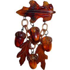 Big Bakelite Figural Realistic Fall Autumn Acorns & Leaves Charms Pin Brooch