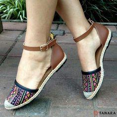 A Tanara me entende: a vida é curta demais para não comprar os sapatos que mais amo! N7341