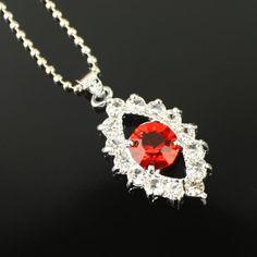 Élégant collier rouge strass