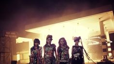 2NE1 - UGLY M/V (+playlist)