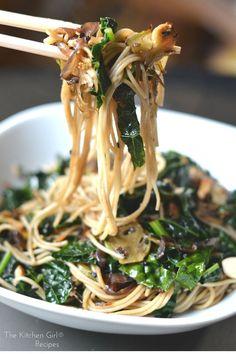 Best last-minute meal! In 20 minutes, you have scrumptious, secretly healthy noodles! Vegan/GF Sesame Kale Noodles at thekitchengirl.com