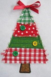 New craft fabric kids christmas trees Ideas Christmas Makes, Christmas Projects, Christmas Holidays, Felt Christmas, Felt Ornaments, Christmas Tree Ornaments, Christmas Decorations, Tree Decorations, Christmas Applique