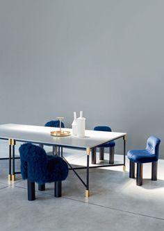 BOTOLO Petit fauteuil en fourrure by arflex design Cini Boeri Dining Furniture, Dining Room Table, Luxury Furniture, Home Furniture, Furniture Design, Dining Chairs, Lounge Chairs, Flexible Furniture, Original Design