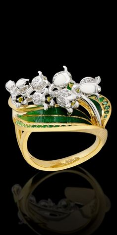 Ring 18K yellow and white gold, diamonds, green diamonds, tsavority, demantoids, enamel.