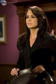 Lucero( Barbara Greco).