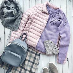 К моему экспериментальному комплекту связались варежки 🙌🏻. Всем доброго дня, а я поеду искать типографию для своих бирочек....#iloveknitting #i_loveknitting #knitting_inspire #knitting_inspiration #knit #knitting #knitwear #style #stylish #fashion #look #lookoftheday #вяжу #вязание #вяжуназаказ #вязаниеназаказ #стиль #стильно #мода #модно #снуд #снудназаказ #шапкаснуд #вязаныйснуд #шапкасмеховымпомпоном #шапка #шапканазаказ #вяжуназаказспб #спб