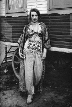 August Sander: Circus artiste, 1930