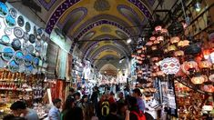 A guide to the Grand Bazaar in Istanbul, one of the biggest markets in the world. What can you buy at the Grand Bazaar? Istanbul Grand Bazar, Shopping Places, Shopping Street, Tourist Places, Shopping Tips, Yosemite Falls, Hagia Sophia, Europe Destinations, Istanbul Turkey