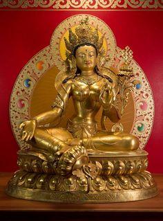 Drölma - Tara withe Tibetan Art, Tibetan Buddhism, Vajrayana Buddhism, Buddhist Philosophy, Mother Goddess, Buddha Art, Religious Icons, Ocean Art, Deities