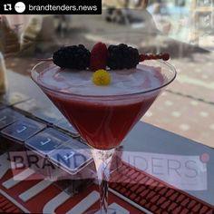 #Repost @brandtenders.news with @repostapp  @brandtenders.news con los Cocktails.Envíanos tu Cocktail -Foto y receta y te lo publicaremos en nuestra web y redes sociales: sergiocalvo@brandtenders.news  #coctel #cocteles #cocktail #difusion #redessociales #influencer #influencers #influencermarketing #ron #whisky #whiskey #tequila #mezcal #gin #ginebra #bartenders #barman