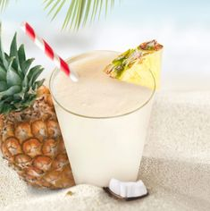 Feel like you're on a tropical island with our Piña Colada shake. With fresh pineapple, luscious Greek yogurt, and coconut extract, you won't even miss the rum! Keto Smoothie Recipes, Protein Shake Recipes, Smoothie Drinks, Protein Shakes, Keto Shakes, Milk Shakes, Pina Colada Shake Recipe, Slimfast Recipes, Weight Watcher Smoothies