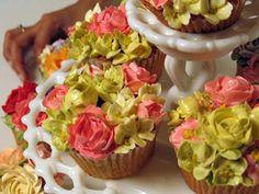 Weding Cupcake!!  Awww.. quiero un ramo de cupcakes cuando me case!!