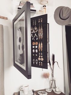Black-Wall Mounted Jewelry Organizer Photo Frame