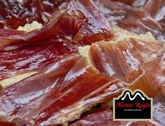 Empezamos el día con energía: Pan tostado con jamón ibérico #MonteRegio #BuenosDías