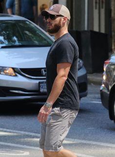Jensen Ackles With a Beard in Vancouver | POPSUGAR Celebrity - June 2015.