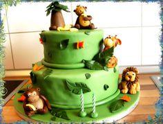 Fondant in vielen Farben zum Modellieren sowie Rezepte und Tipps zum Torten dekorieren nur bei Facebook: Cake Company - Torten mit Pfiff