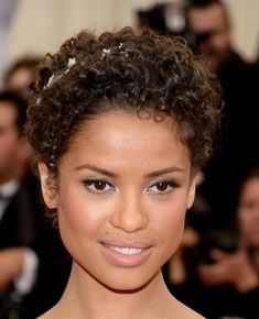 Wedding Makeup Idea: How to Copy Gugu Mbatha-Raw& Met Gala Makeup . Cute Hairstyles, Straight Hairstyles, Curly To Straight Hair, Ethereal Makeup, Mbatha Raw, Curly Hair Styles, Natural Hair Styles, Natural Beauty, Celebrity Makeup