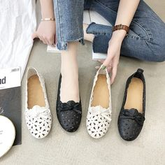 Casual Butterfly Knot Hollow Out flats shoes – Benovafashion Suede Shoes, Flat Shoes, Loafer Flats, Espadrilles, Flats Boat, Pointed Toe Flats, Chanel Ballet Flats, Womens Flats, Casual Shoes