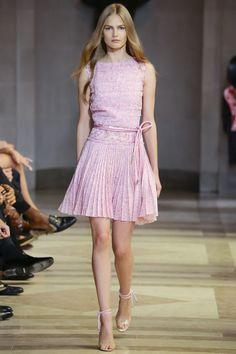 Carolina Herrera Spring 2016 Ready-to-Wear Collection Photos - Vogue.  Love! Love! Love!