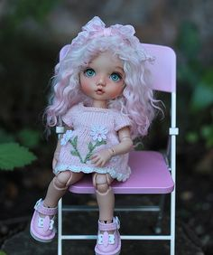 Pukifee wig white with pink tips.   by Sherbet LollyDolly