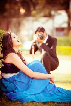 Getting a pre wedding shoot? Here's our guide for Indian couples on things they MUST know before booking a shoot to make sure its nothing short of fabulous! Pre Wedding Shoot Ideas, Pre Wedding Poses, Wedding Couple Poses Photography, Indian Wedding Photography, Pre Wedding Photoshoot, Photography Styles, Photography Editing, Photoshoot Ideas, Post Wedding