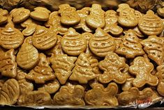 Perníčky s razítkami   NajRecept.sk Party Food Trays, Gingerbread Cookies, Food And Drink, Christmas, Ideas, Biscuits, Gingerbread Cupcakes, Xmas, Navidad