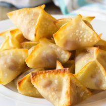 5-Ingredient Apple Pie Cream Cheese Wontons | ASpicyPerspective.com