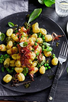 Gnocchi, Kung Pao Chicken, Friends, Ethnic Recipes, Food, Food Recipes, Amigos, Meal, Boyfriends