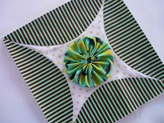 Blue Mountain Daisy: YoYo Sampler Blocks - i need a pattern for this! 9 Patch Quilt, Quilt Blocks, Quilting Projects, Quilting Designs, Pattern Blocks, Quilt Patterns, Wool Applique Quilts, Cathedral Window Quilts, Yo Yo Quilt