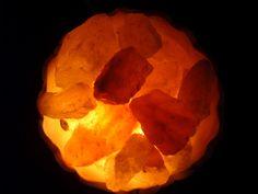 LA BOHEMIA: SONIDOS - PÉTALO DE SAL (FITO PÁEZ) por The Covers... Himalayan Salt Lamp, Table Lamp, Amor, Bohemia, Table Lamps, Lamp Table