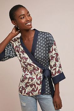 Slide View: Patchwork Kimono Wrap BlouseYou are in the right place about Women Blouse outfit Here we offer you the most beautiful pictures about the Women Blouse fall you are looking for. When you examine the Slide View: Patchwork Kimono Wrap Blouse Kimono, Kimono Jacket, Wrap Blouse, Kimono Fashion, Boho Fashion, Fashion Outfits, Fashion Design, Fashion Ideas, Bluse Outfit