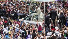 Esperan a una multitud en la primera misa de Francisco en Perú