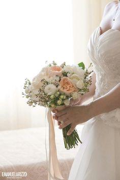 Bouquet con rose inglesi e peonie