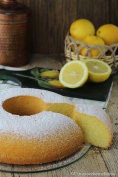 La ciambella al limone è un dolce semplicissimo, dal sapore delicato, perfetto per colazione o per accompagnare il tè delle cinque: scopri la ricetta!