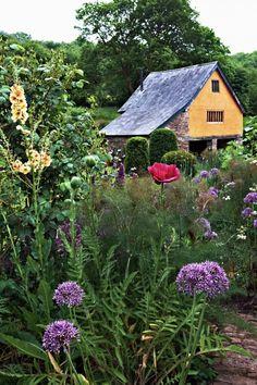 Arne Maynard garden ; Gardenista-twist my arm!