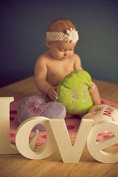 Love this Valentines baby photo idea This would also be a great wedding prop or baby birthday