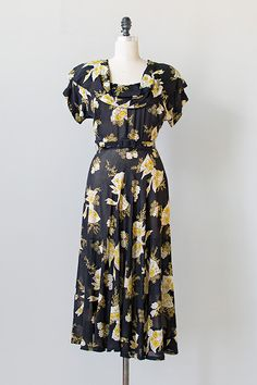 vintage 1940s navy yellow bow floral print dress