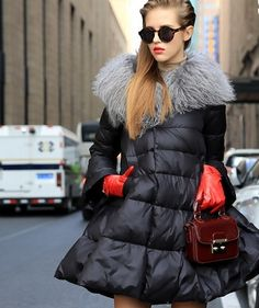 18 Best Style to Consider When Buying Women's Trench Coats Cute Coats, Women's Coats, Trench Coat Style, Outdoor Fashion, Kinds Of Clothes, Autumn Street Style, Modern Outfits, Down Coat, Apparel Design